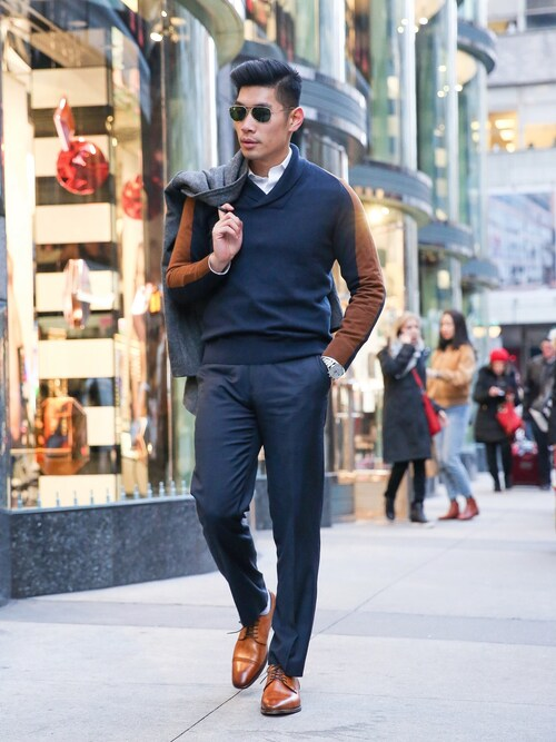 Levitate Style is wearing Perry Ellis