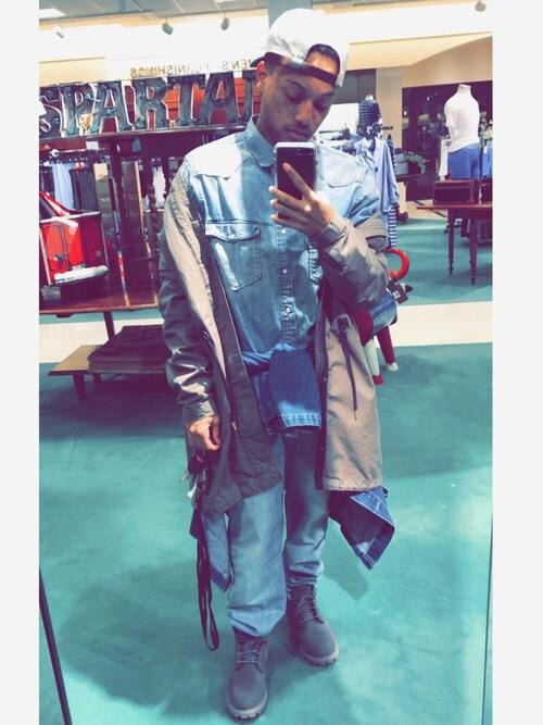 Jordon McDuffie is wearing H&M