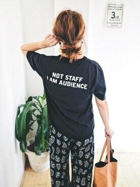 natsupooさんの「ミュージックTシャツ/フェイクスタッフ(graniph グラニフ)」を使ったコーディネート