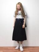 りっぴーさんの「ウエストリボン付きラップデザイン立体台形ミディアム丈スカート(select MOCA|セレクトモカ)」を使ったコーディネート