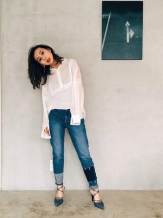 黒石奈央子さんの「2WAY VINTAGE LACE BLOUSE(AMERI|アメリヴィンテージ)」を使ったコーディネート