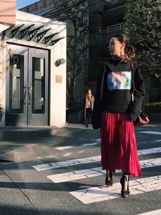 黒石奈央子さんの「RETRO COLOR PLEATS SKIRT(AMERI|アメリヴィンテージ)」を使ったコーディネート