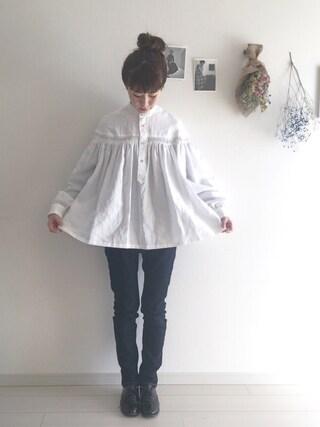 工藤春佳さんの「リネン高密度タックシャツ(Scye|サイ)」を使ったコーディネート