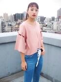 MIHO MIKATAさんの「ノットスリーブTシャツ(MURUA|ムルーア)」を使ったコーディネート