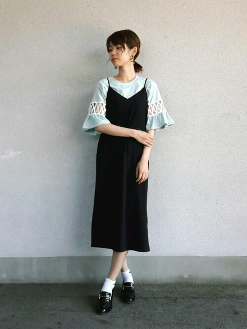 杉本侑菜さんの「レースディテールフリルスリーブTシャツ(DHOLIC)」を使ったコーディネート