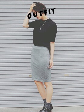岩田 絵莉佳さんの「サーマルストレッチペンシルスカート(FOREVER21)」を使ったコーディネート