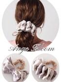Ange Bloomさんの「レイヤードリボンシュシュ(Ange Bloom|アンジェブルーム)」を使ったコーディネート