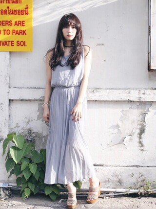 瀬戸晴加さんの「SHIRRING CHIFFON DRESS(Ameri|アメリヴィンテージ)」を使ったコーディネート