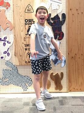 coenオフィス|coen_kidsさんのTシャツ/カットソー「【coen キッズ】カリフォルニアプリントTシャツ(100〜150cm)(coen|コーエン)」を使ったコーディネート