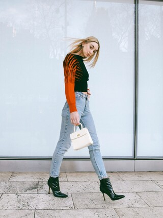 (Levi's) using this Ana Prodanovich looks