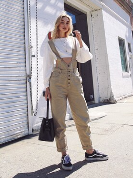 Ana Prodanovich is wearing URBAN OUTFITTERS
