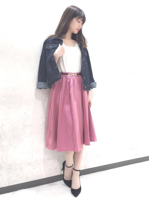 MIIA OFFICIALさんの「カラータックギャザースカート(MIIA)」を使ったコーディネート
