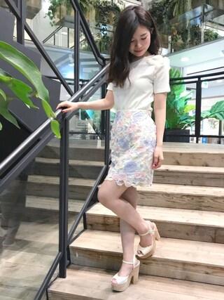 MIIA OFFICIAL|MIIA OFFICIALさんの「カラーレース台形スカート(MIIA|ミーア)」を使ったコーディネート
