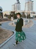 请允许尘埃落定 is wearing H&M