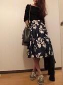 yomiさんの「ビッグフラワープリントスカート(RANDA|ランダ)」を使ったコーディネート