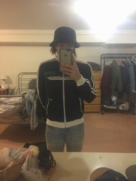 (adidas) using this hiroki looks