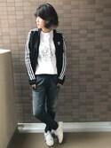 sally.ichiさんの「【adicolor】オリジナルス トラックトップジャージ[SUPERGIRL TRACK TOP](adidas|アディダス)」を使ったコーディネート