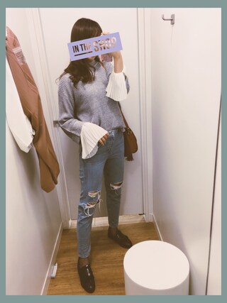 「Moto blue ripped hayden jeans(Topshop)」 using this  cherry. 🎈 looks