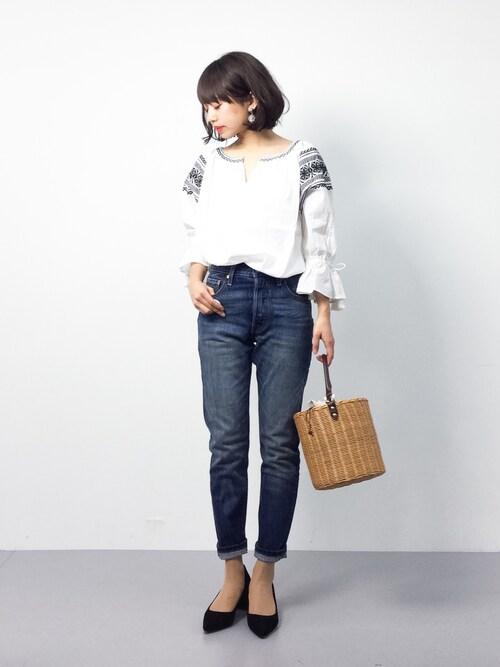 ZOZOTOWNerikoさんのシャツ/ブラウス「【Market】コットンエンブロイダリーブラウス(coen|コーエン)」を使ったコーディネート