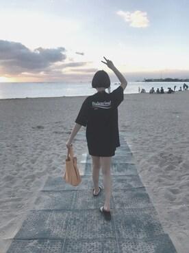 """ダイアン is wearing BALENCIAGA """"Balenciaga Printed Cotton-Jersey T-Shirt"""""""