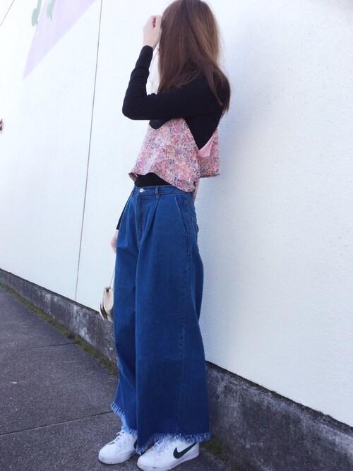 Sato*さんの「10ozデニム裾フリンジワイドパンツ(mysty woman)」を使ったコーディネート