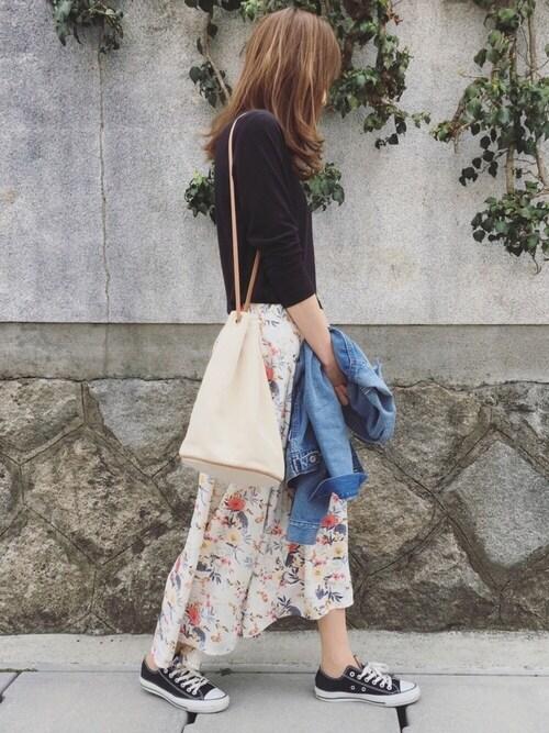 Sato*さんの「花柄アシンメトリーロングスカート(2color)(copine)」を使ったコーディネート