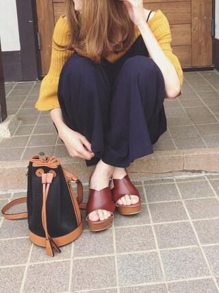 Sato*さんの「リブ編みプレーティングフレア袖オフショルダーニット(mysty woman|ミスティウーマン)」を使ったコーディネート