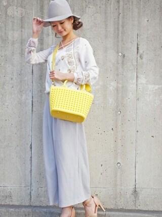 DIAVEL TOKYO OMOTESANDO|diavel81さんの「イエロー×イエロー×イエロースタッズ 【MINI・Sサイズ】 スタッズキャンバストートバッグ(DIAVEL|ディアベル)」を使ったコーディネート