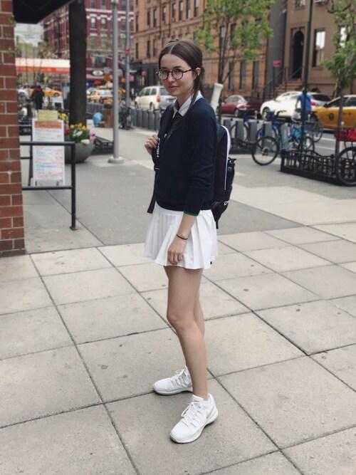 Yulia F. Kirpalani is wearing TORY BURCH