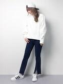 MAIさんの「センターラインフロント裾スリットストレッチフレアスキニーデニムパンツ(select MOCA|フレイ アイディー)」を使ったコーディネート