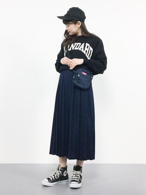 ネイビースカートをスポーティーな印象に♡