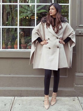 「Burberry Shoes & Accessories Merino Wool Cape with Fox Fur(no brand)」 using this Ayesha Sid looks