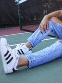 「adidas Women's Superstar Casual Sneakers from Finish Line(adidas)」 using this Deanna London looks