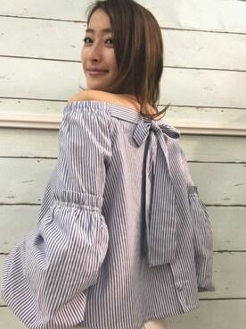 Haruka Kurashimaさんの「2WAYバックリボンストライプオフショルブラウス◆(REDYAZEL)」を使ったコーディネート