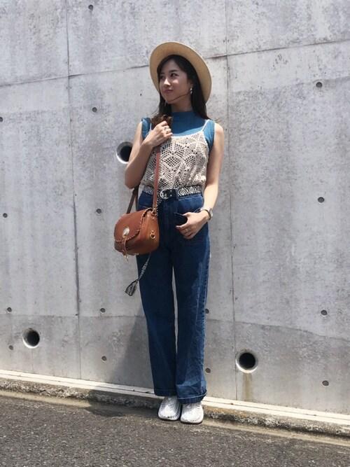 岡田万里奈(LoVendoЯ)さんの「ポケットデニムワイドパンツ(LAGUNAMOON)」を使ったコーディネート