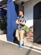 もう今日は夏日���� 麻のパンツに黒のポロシャツを合わせて 差し色で水色のメッシュ素材のスリッポンを( ∩ ˙-˙ )=͟͟͞͞⊃