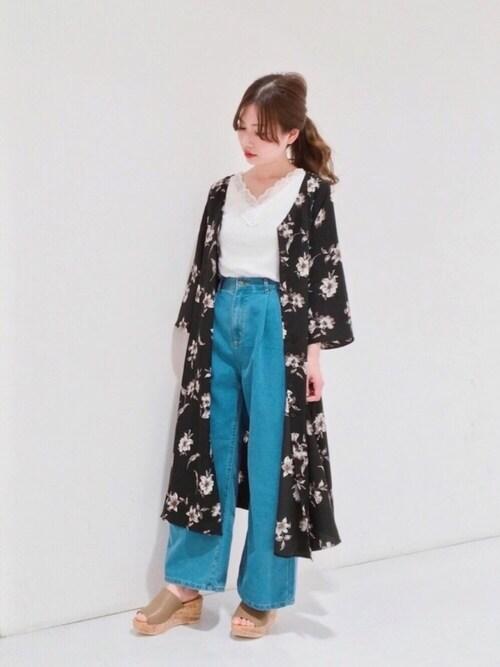 juriさんの「花柄プリントワイド袖ワンピース(ViS)」を使ったコーディネート
