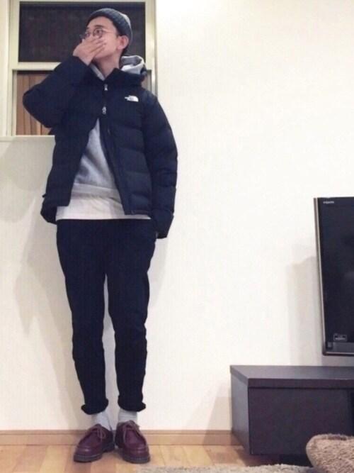 ニット帽×ダウンジャケット×アンクル丈パンツ 画像1