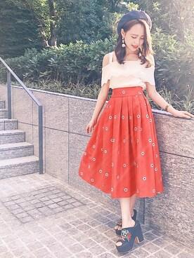 BURNEDESTROSE 本社|REDYAZELさんの「フラワー刺繍フレアスカート(REDYAZEL)」を使ったコーディネート