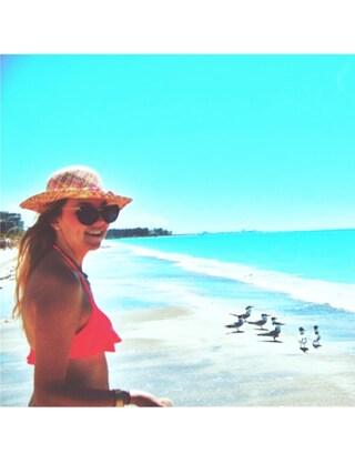 (Victoria's secret PINK) using this Dana Elizabeth Levey looks