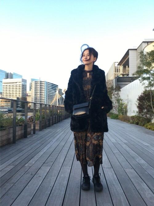 海下真夕さんの「PAISLEY PLEATS DRESS(AMERI)」を使ったコーディネート