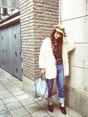 スザンヌさんの「前後配色裾折り返しデニムパンツ(Discoat Parisien WOMENS ディスコートパリシアンウィメンズ)」を使ったコーディネート