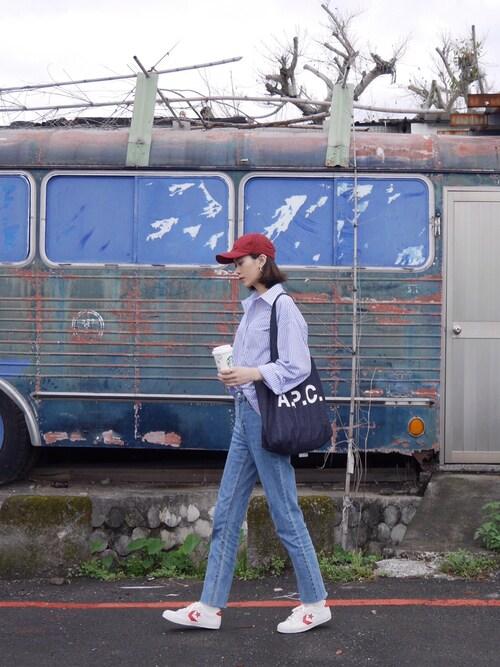 pon pon lin使用(BALENCIAGA)的時尚穿搭