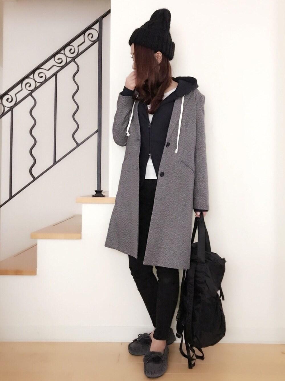 黒ニット帽×黒コーデ