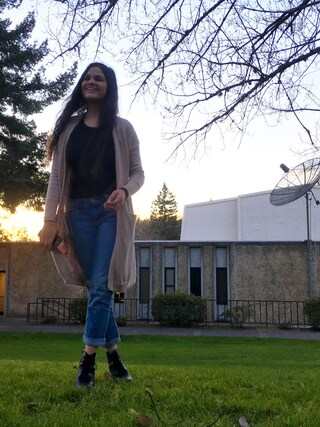 「Distressed Boyfriend Skinny Jeans for Women(OLD NAVY)」 using this grassbell looks