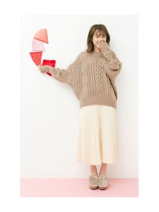 高橋愛さんの「ビッグケーブルの女っぽドルマンニット(haco!|ハコ)」を使ったコーディネート