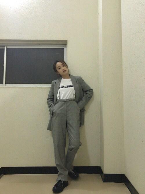 高橋愛さんの「SWIFT LOGO S/S TEE(X-girl)」を使ったコーディネート