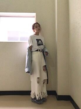 高橋愛さんの「ロングフリンジルーズDENIM(MURUA|ムルーア)」を使ったコーディネート