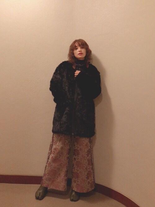 高橋愛使用「CHEAP MONDAY(Ostent coat)」的時尚穿搭