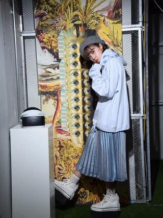 夏焼雅さんの「メタリックプリーツスカート(lilLilly(リルリリー) リルリリー)」を使ったコーディネート